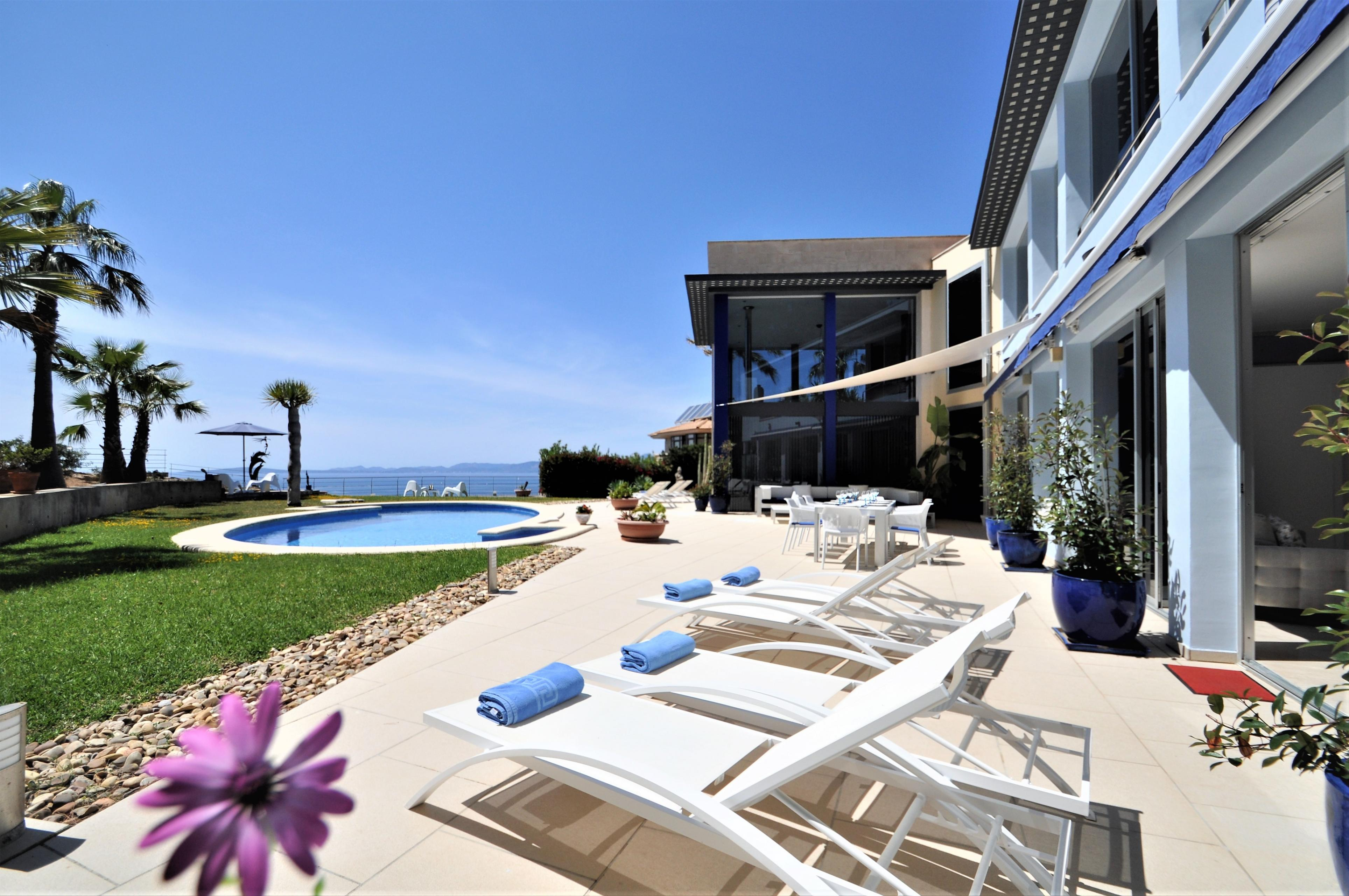VILLA BAY BLUE Bahia Azul Mallorca VILLAONLINE Kostenloses WLAN