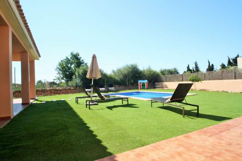 Villaonline villa en sa rapita para 7 personas pisina for Piscina 5x4